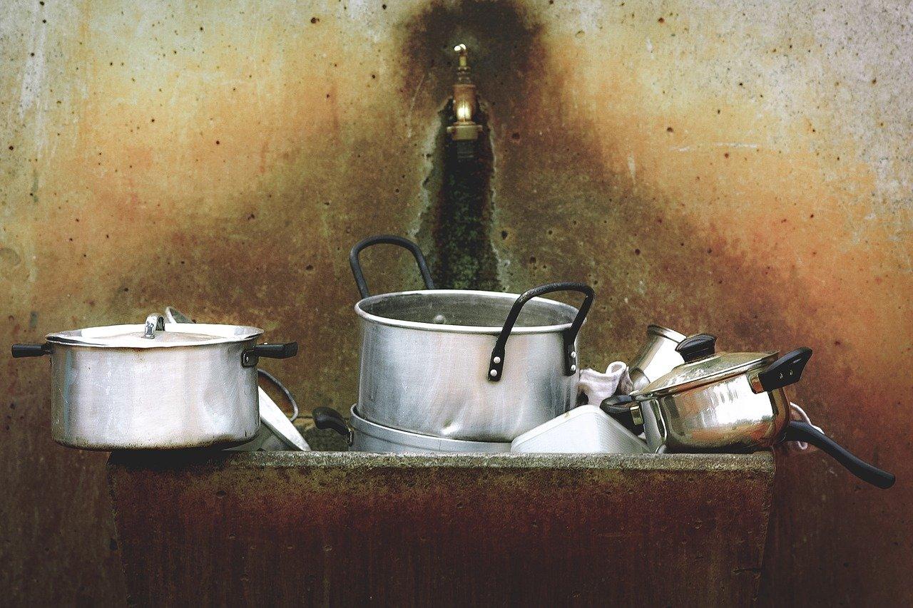vaisselle dans évier